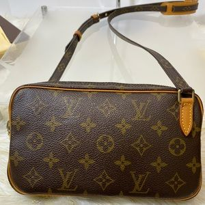 Louis vuitton MARLY BANDOULIERE Cross BAG